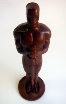 Фигурный шоколад в виде Оскара